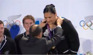 Valerie Adams – Medal Ceremony